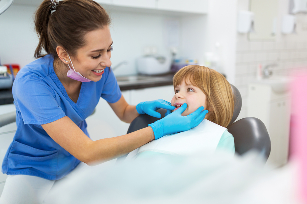 4 Kids' Dental Emergencies That Require a Trip to the Dentist